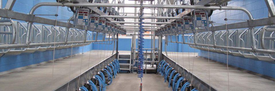 Ολοκληρωμένη σειρά προϊόντων για υγιεινή στους χώρους του αρμεχτηρίου, τις αρμεχτικές μηχανές, τις παγολεκάνες, των θηλών αλλά και των ποδιών των ζώων.
